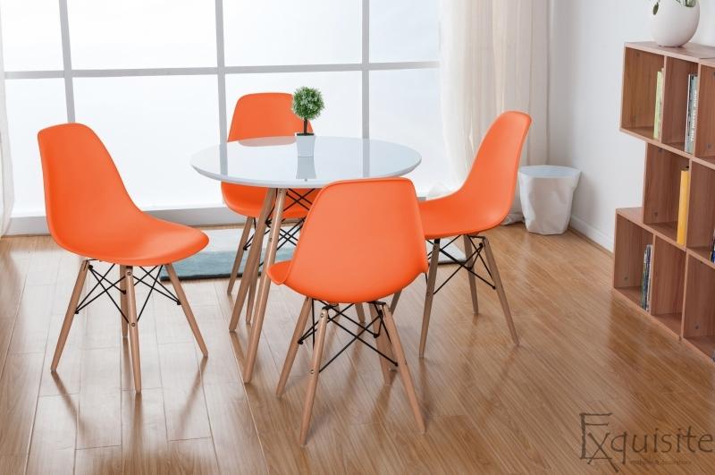 Masa rotunda din mdf cu 4 scaune tip Eames 3
