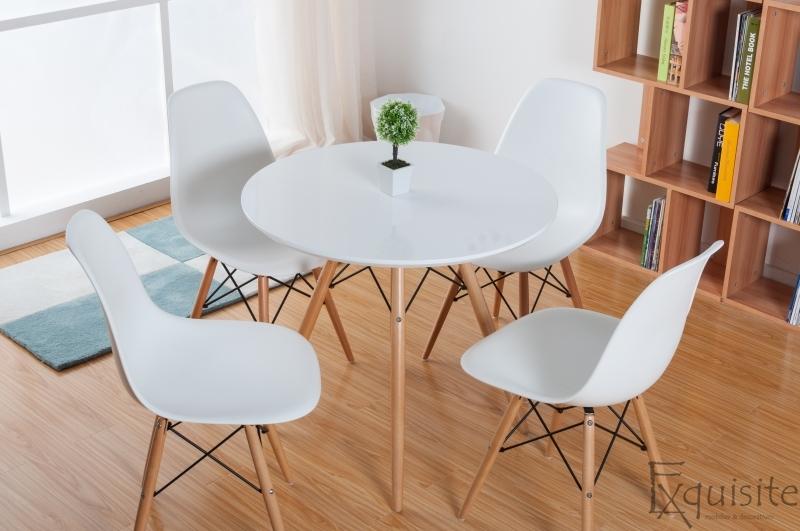 Masa rotunda din mdf cu 4 scaune tip Eames 1
