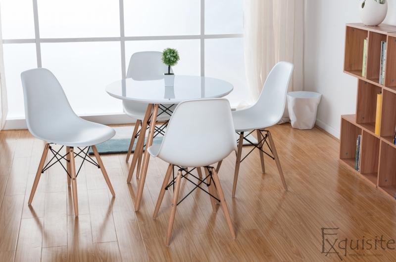 Masa rotunda din mdf cu 4 scaune tip Eames 7