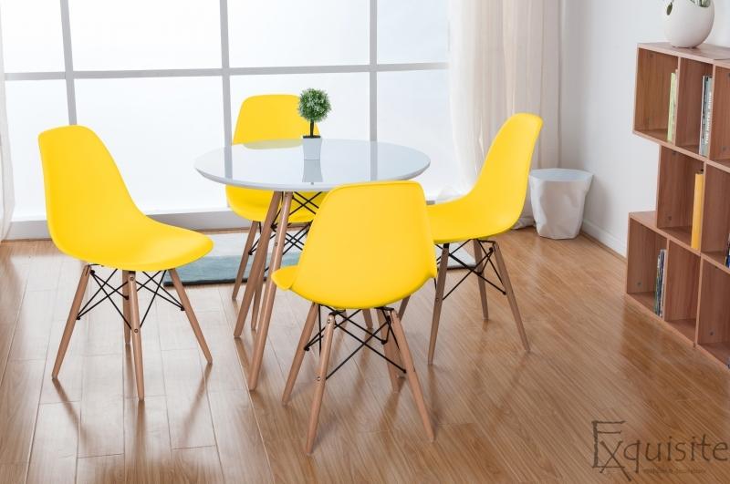 Masa rotunda din mdf cu 4 scaune tip Eames 6