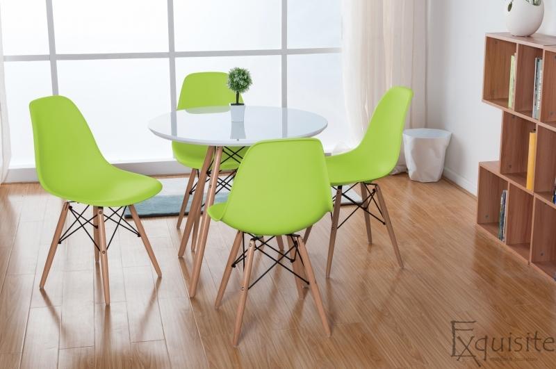 Masa rotunda din mdf cu 4 scaune tip Eames 5