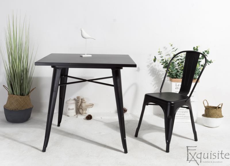 Masa cu scaune din metal3