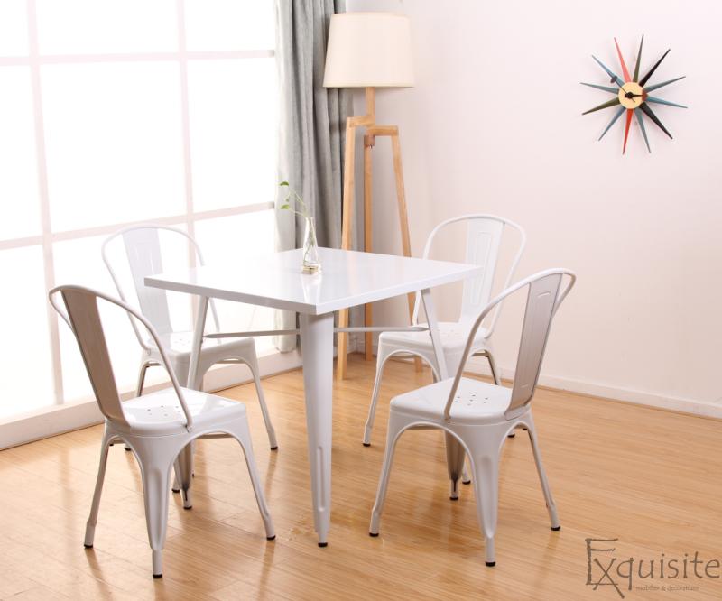 Masa cu scaune din metal5
