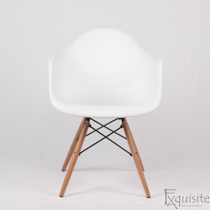Scaun de bucatarie din plastic cu picioare din lemn, Eames, EX0822