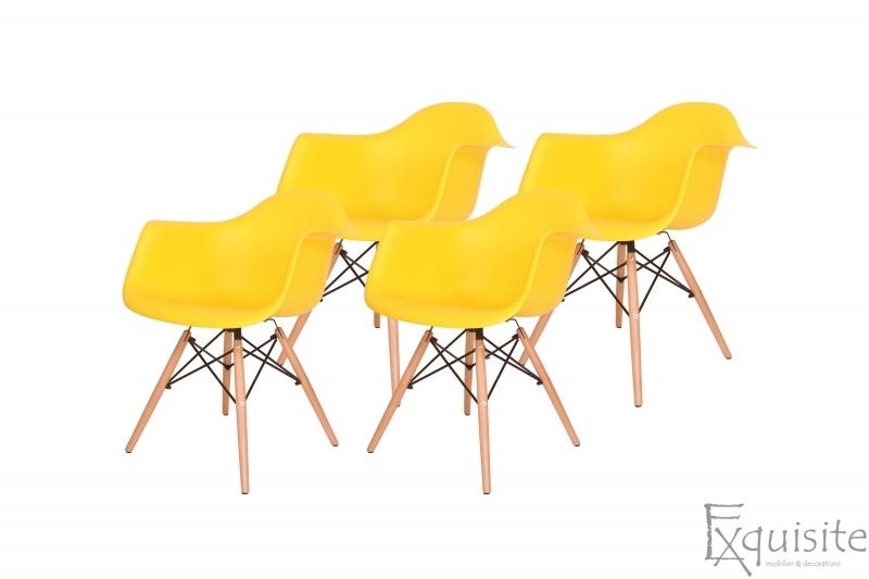 Scaun galben din plastic cu picioare din lemn - Set 4 bucati1