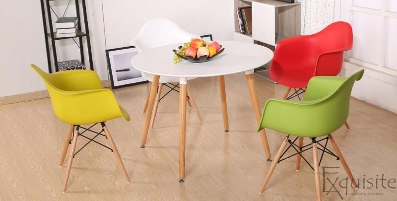 Scaun galben din plastic cu picioare din lemn - Set 4 bucati6