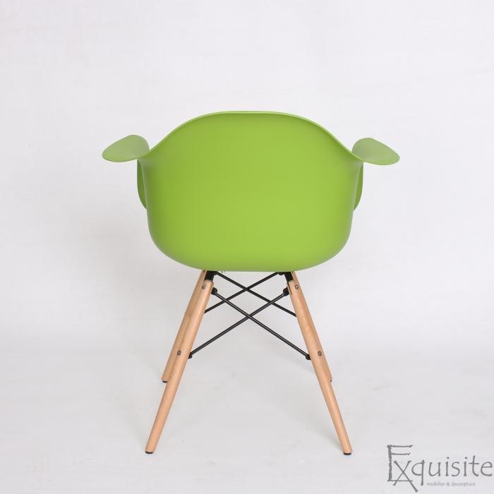 Scaun de bucatarie din plastic cu picioare din lemn, Eames, EX08210