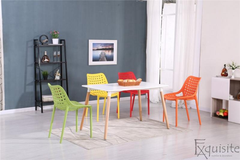 Masa din mdf cu scaune 2