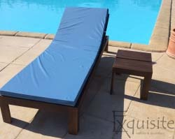 Sezlong din lemn pentru piscina