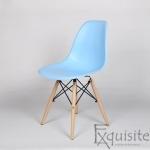 Masa rotunda din mdf cu 4 scaune tip Eames 13