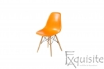 Masa rotunda din mdf cu 4 scaune tip Eames 15