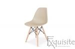 Masa rotunda din mdf cu 4 scaune tip Eames 9