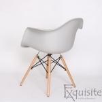 Scaun din plastic cu picioare din lemn - Set 4 bucati - EX082 Gri deschis4
