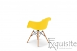 Scaun galben din plastic cu picioare din lemn - Set 4 bucati3