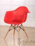 Scaun de bucatarie din plastic cu picioare din lemn, Eames, EX0827